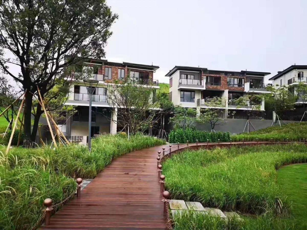 巽寮湾星河山海半岛别墅二期降价能否买?工程出什么状况是否有投资前景?