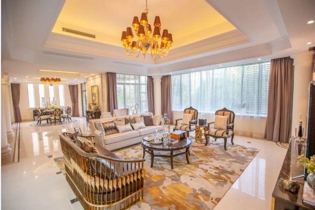 富力惠林温泉入户高尔夫小别墅 2021年最新房价走势如何 ,独栋双拼联排现楼才200万多起?